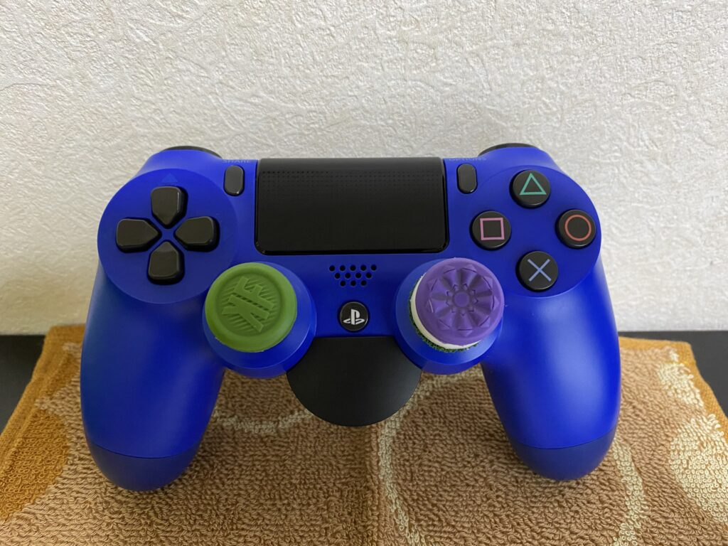 PS4コントローラー正面