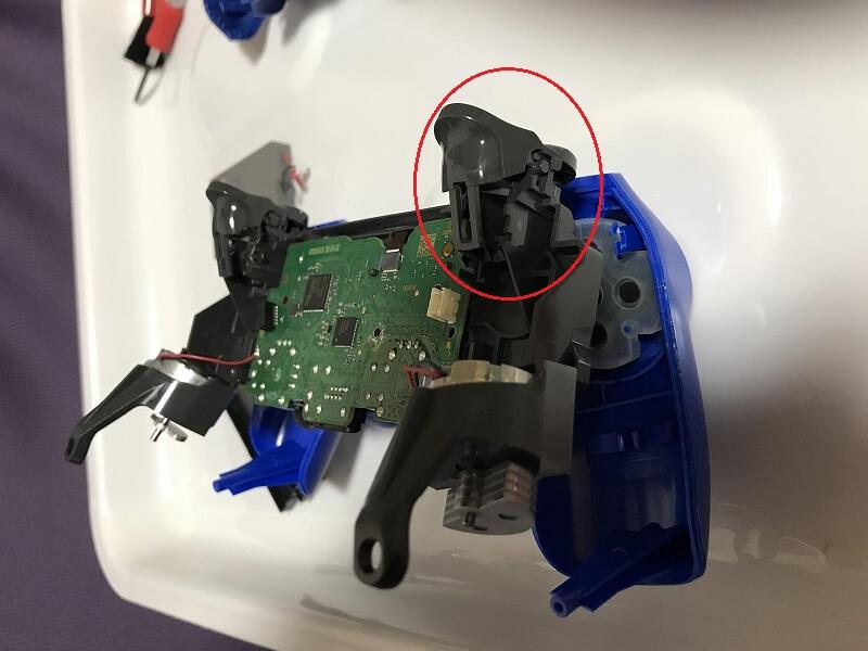 PS4コントローラー LRボタン掃除