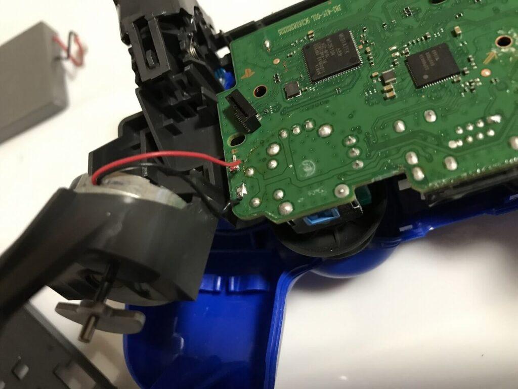 PS4コントローラー 振動モーター 配線